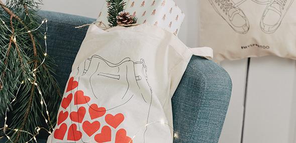 Colleziona una delle nostre borse Tote illustrate!